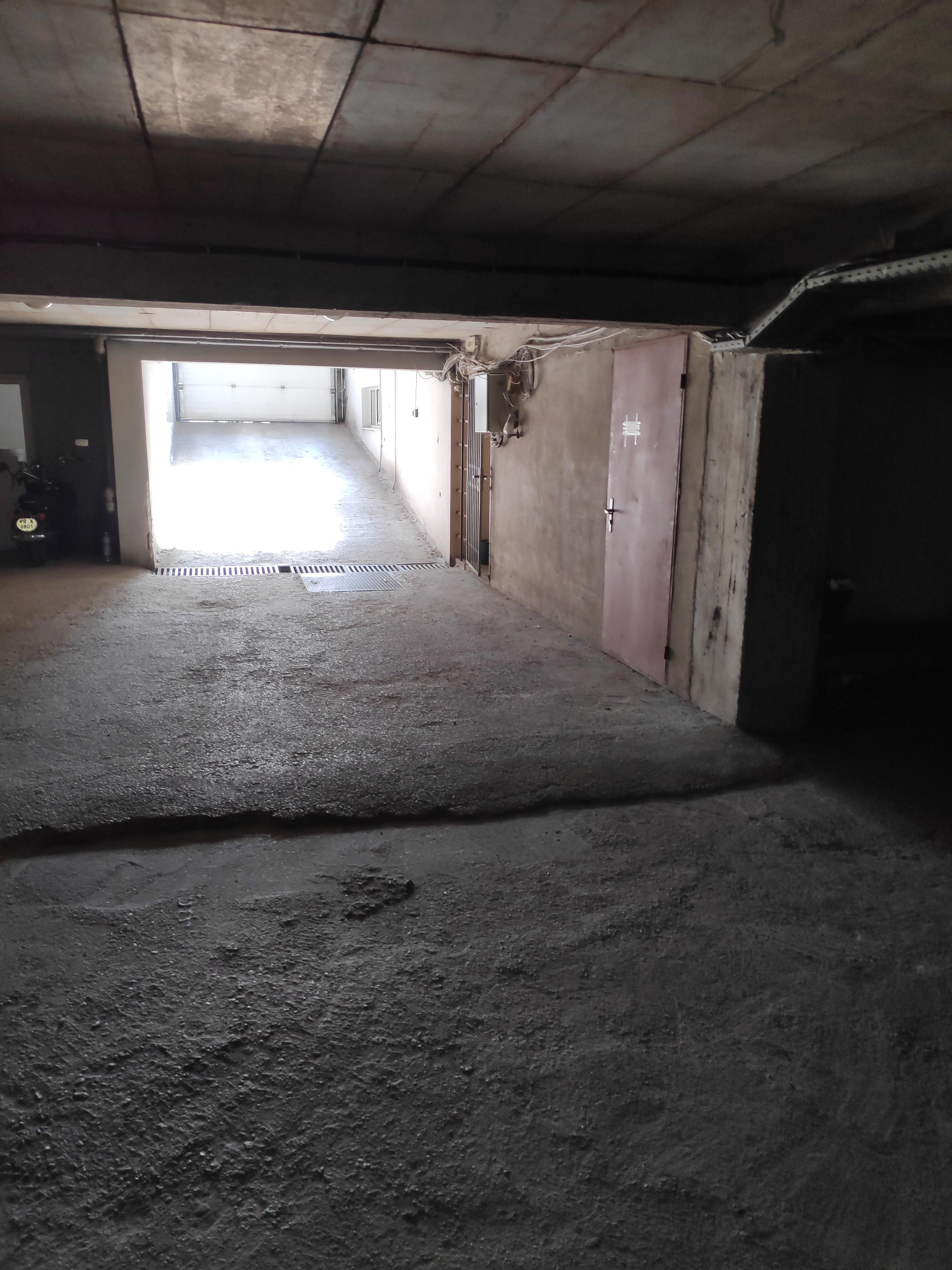 Две паркоместа в подземен гараж, кв. Капана