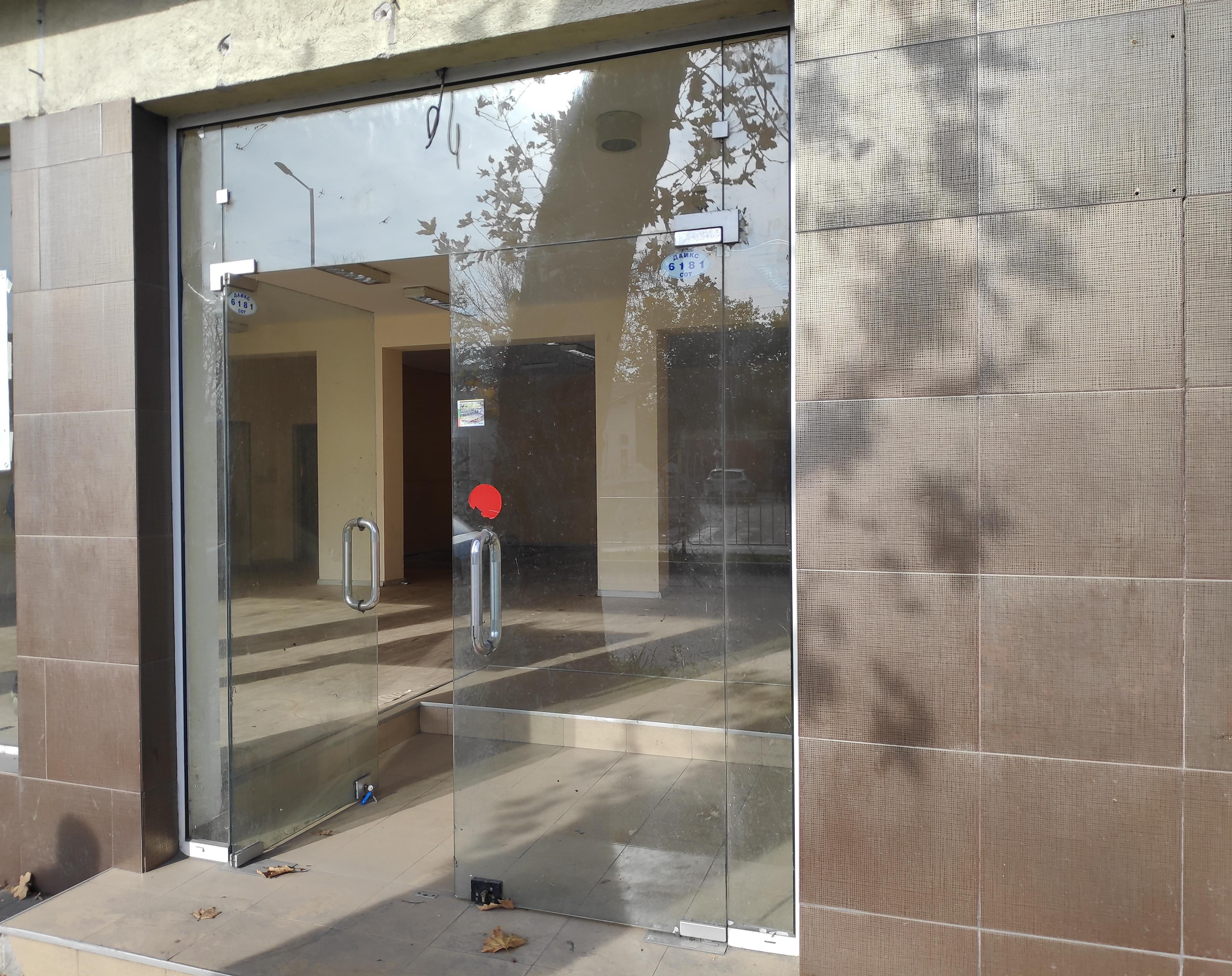 Магазини/офиси 80 и 180 кв.м. на централен булевард