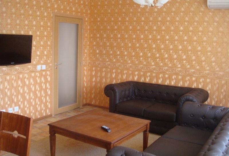 Ново тристайно жилище в Кършиака