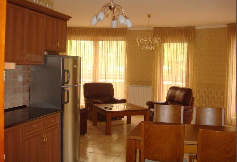 Тристайно жилище в Кършиака